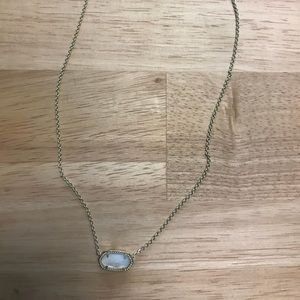 Kendra Scott Ember Gold pendant mother of pearl